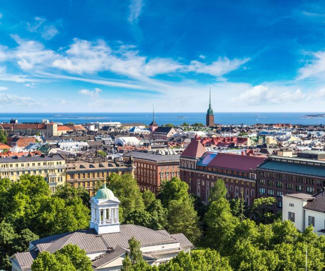 Ilmakuva kesäisestä Helsingistä.
